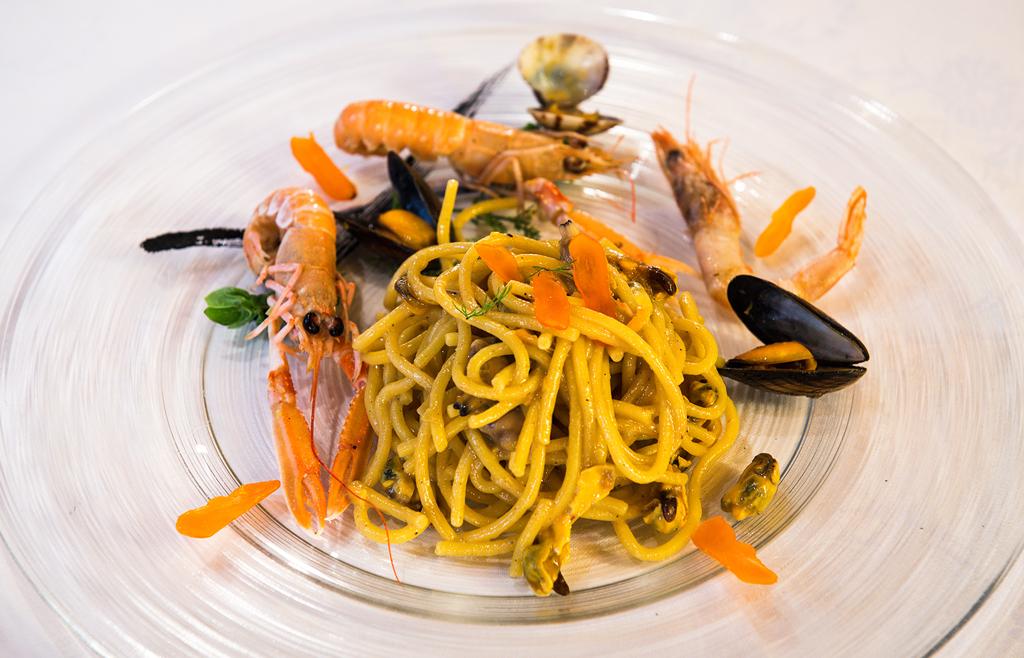 ristorante il tegolo livorno spaghetto Scampi vongole col vetoraz
